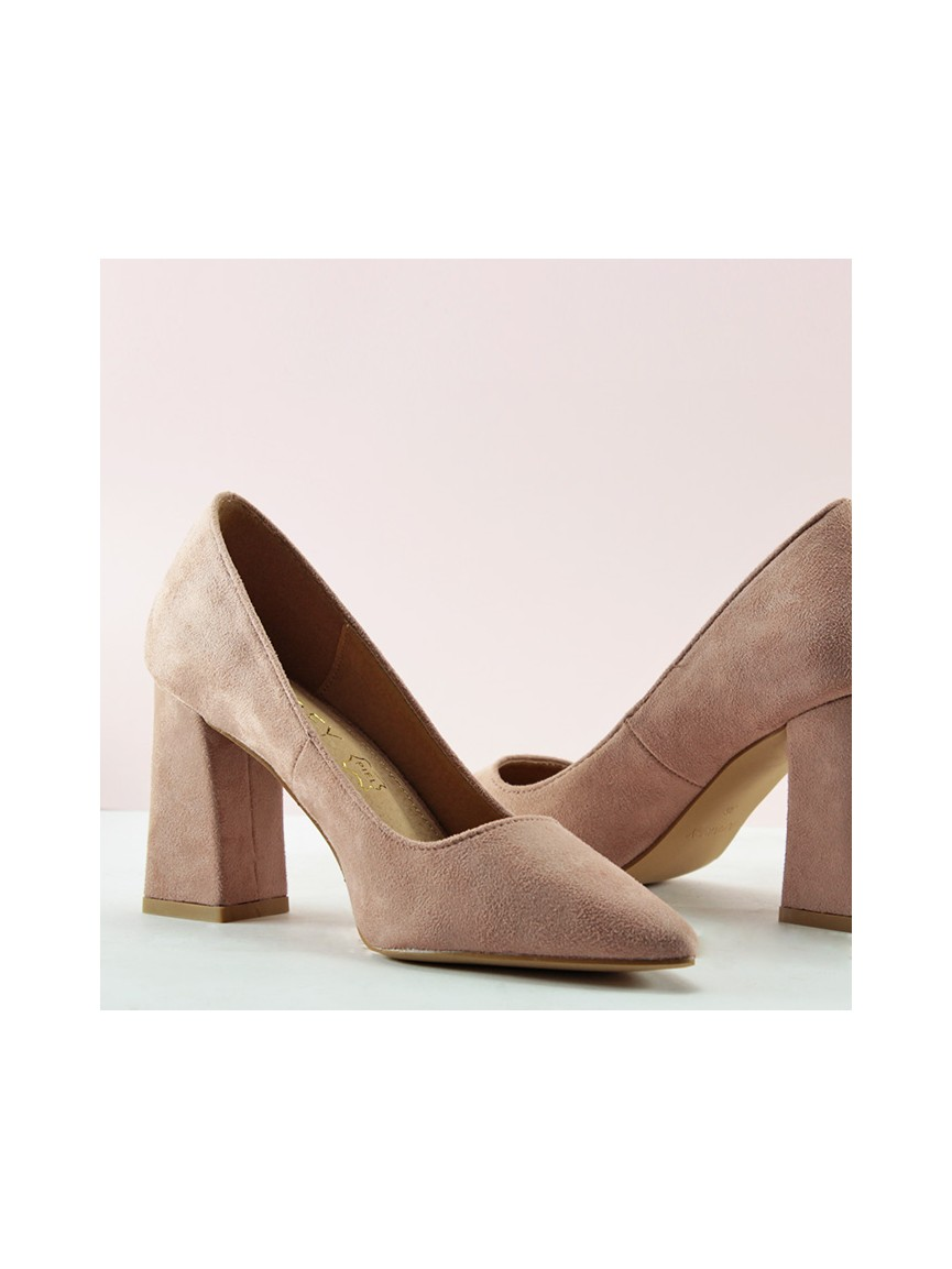 wide selection enjoy best price 50-70%off High-heel pumps in nude