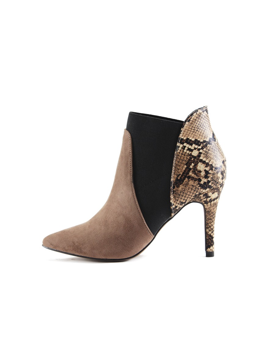 Black ankle boots with platform and stiletto heel